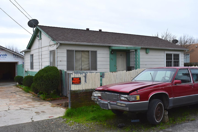27 Memorial Avenue, FREEDOM, CA 95019
