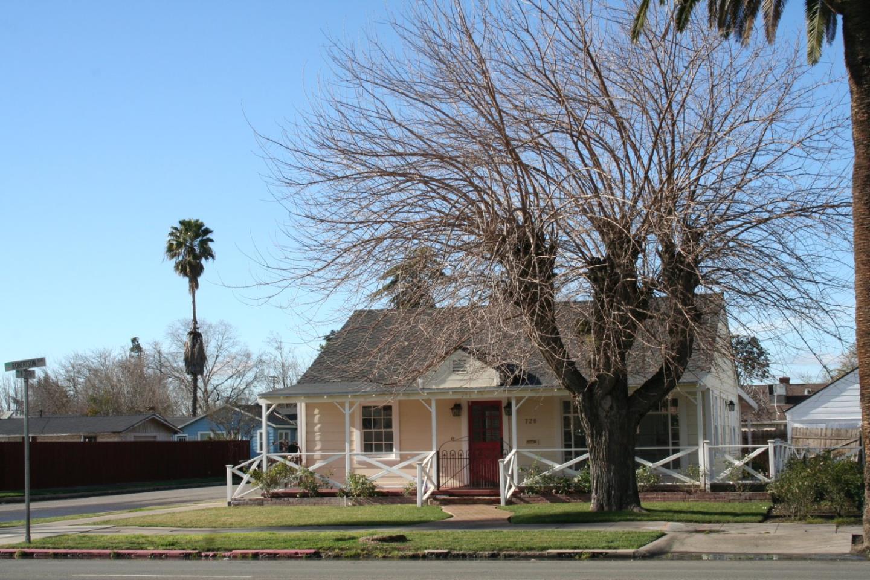 720 Robertson Boulevard, CHOWCHILLA, CA 93610