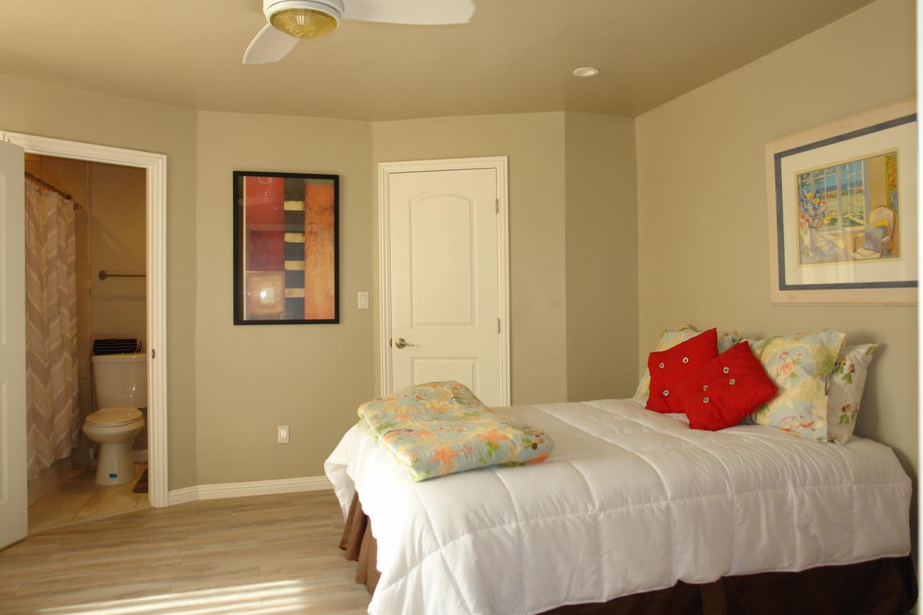 Additional photo for property listing at 107 Park Place  Capitola, Kalifornien 95010 Vereinigte Staaten