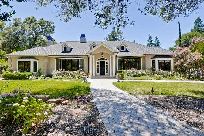 Частный односемейный дом для того Продажа на 14777 Montalvo Road Saratoga, Калифорния 95070 Соединенные Штаты