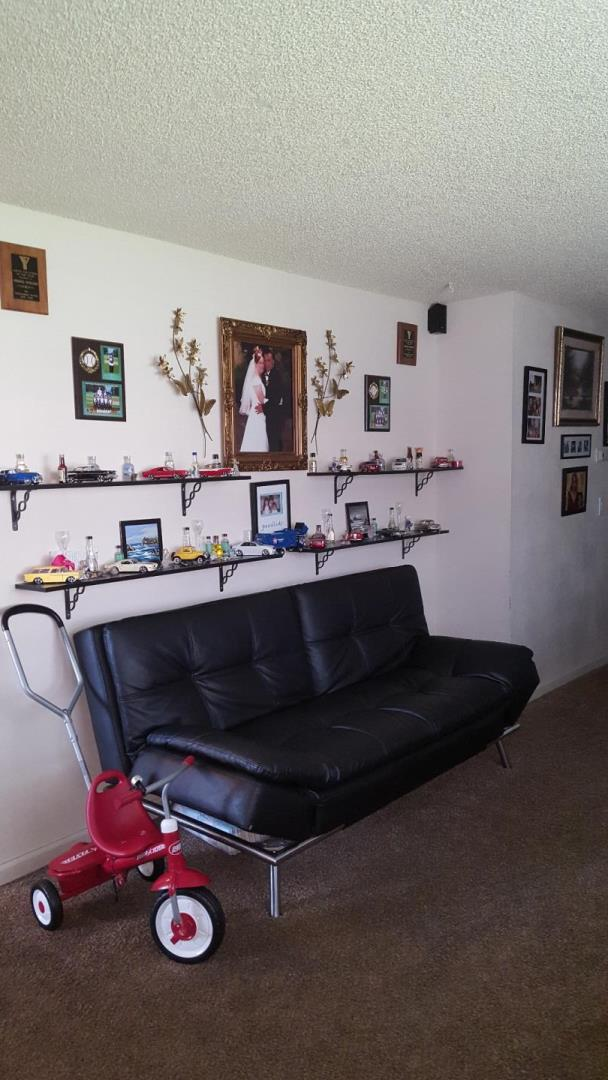 Additional photo for property listing at 1811 Cherokee Drive  Salinas, California 93906 Estados Unidos