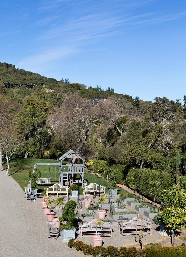 Additional photo for property listing at 133 Old La Honda Road  Woodside, California 94062 United States