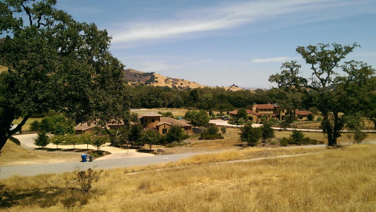 Additional photo for property listing at 12245 Heritage Way  Gilroy, California 95020 United States