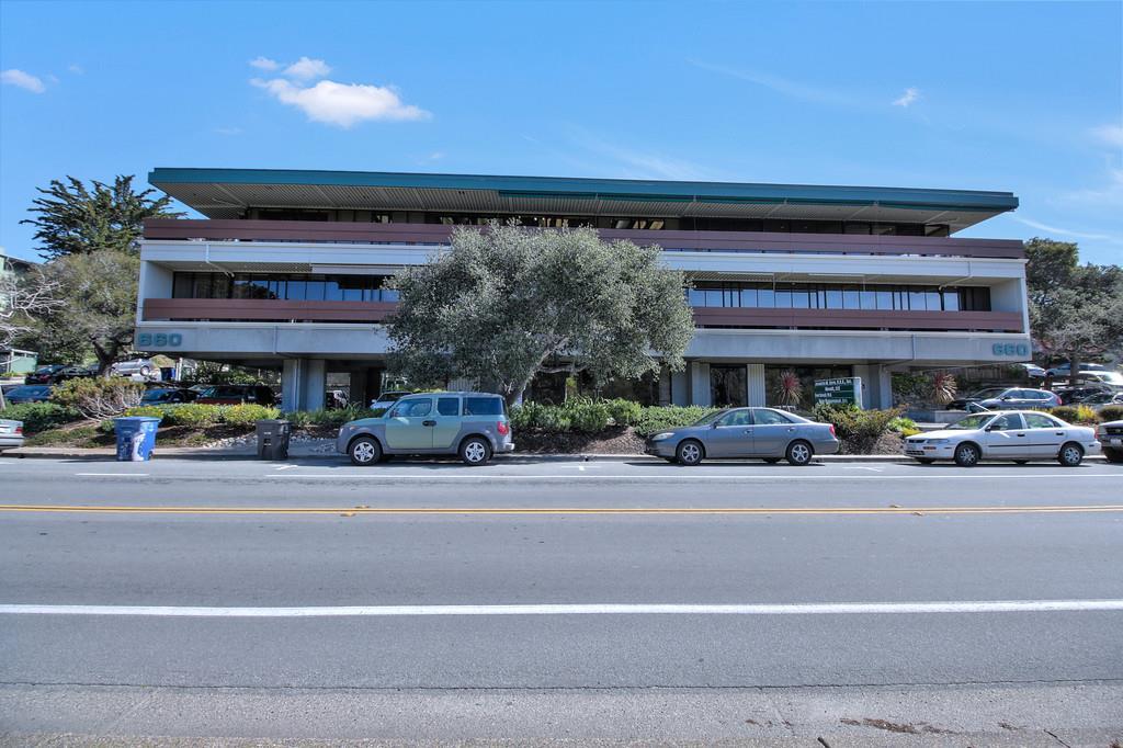 Casa Unifamiliar por un Alquiler en 660 Camino Aguajito Monterey, California 93940 Estados Unidos