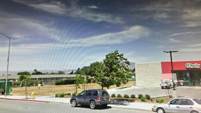 Additional photo for property listing at El Camino Real  Greenfield, カリフォルニア 93927 アメリカ合衆国