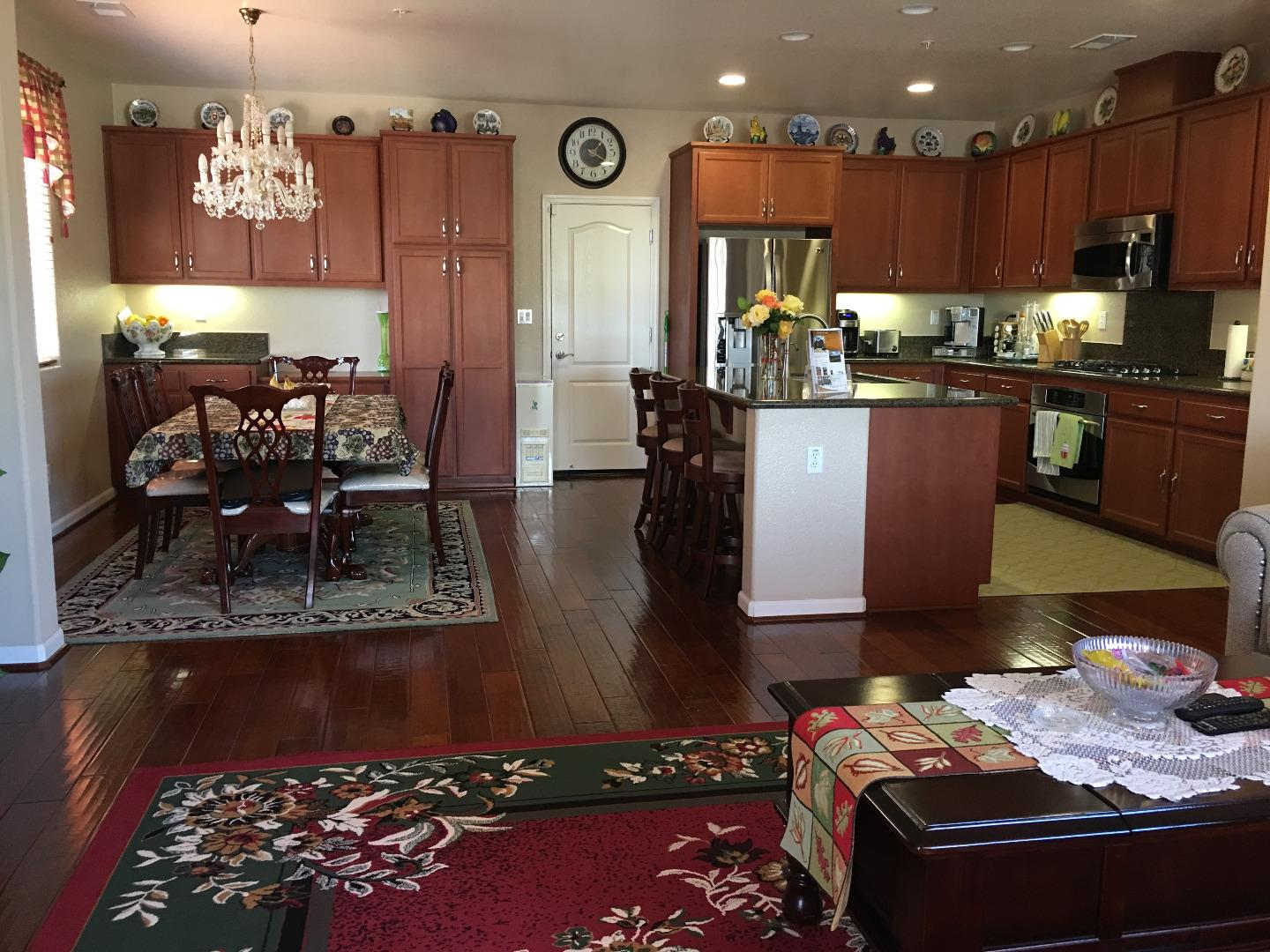 Additional photo for property listing at 1329 Rossano Court  Salinas, カリフォルニア 93905 アメリカ合衆国