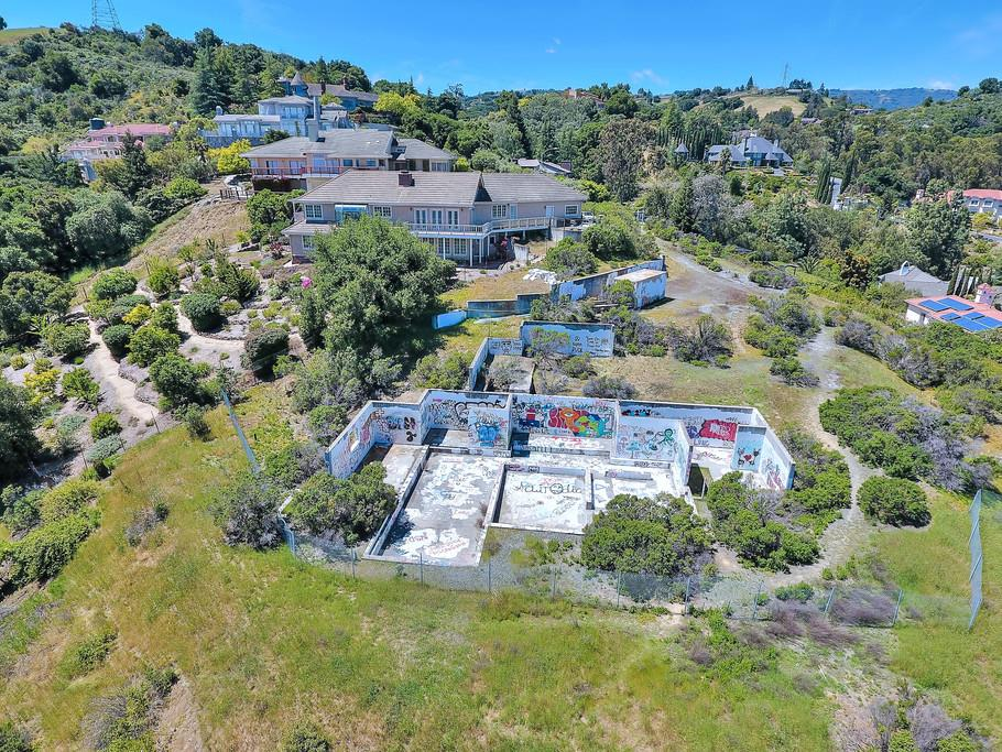 Additional photo for property listing at 21650 Rainbow Court  Cupertino, Kalifornien 95014 Vereinigte Staaten