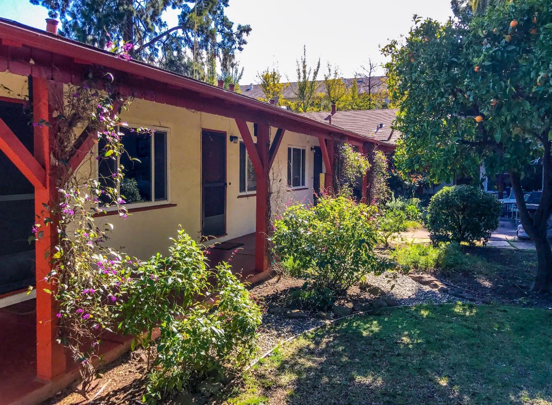 Casa Multifamiliar por un Venta en 1945 Gamel Way 1945 Gamel Way Mountain View, California 94040 Estados Unidos