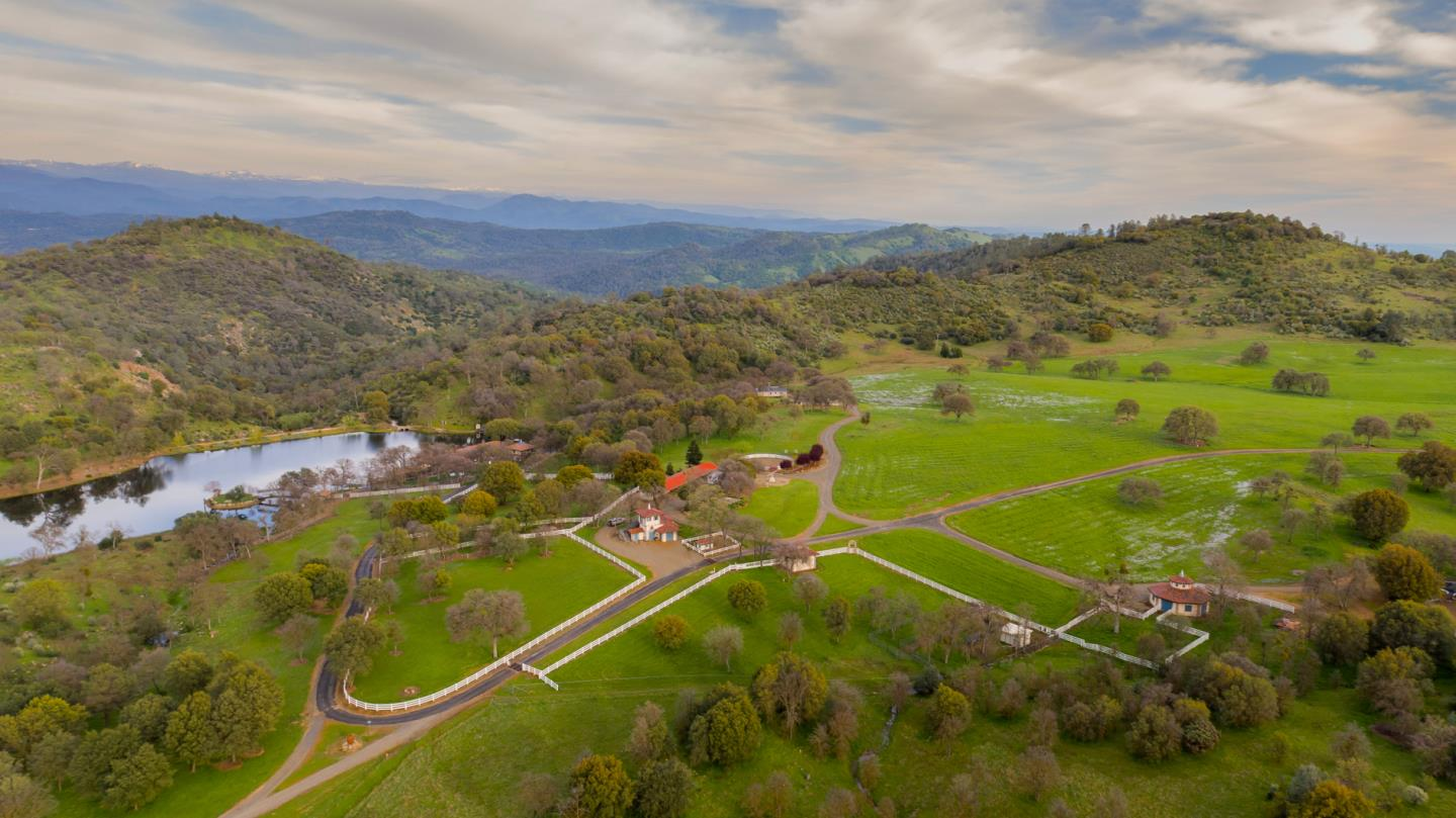 Additional photo for property listing at 4164 Guadalupe Fire Road  Mariposa, Californie 95338 États-Unis