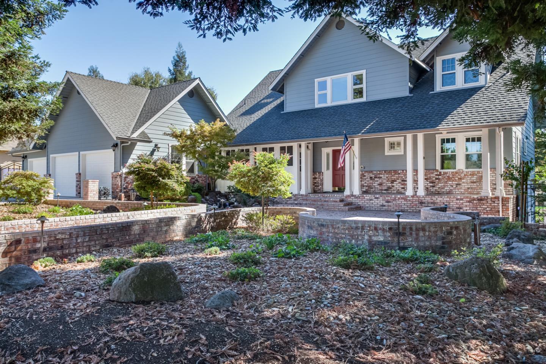 Maison unifamiliale pour l Vente à 10008 Del Almendra Drive Oakdale, Californie 95361 États-Unis