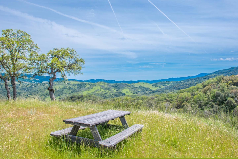 Земля для того Продажа на 23850 Lambert Flat Road Carmel Valley, Калифорния 93924 Соединенные Штаты