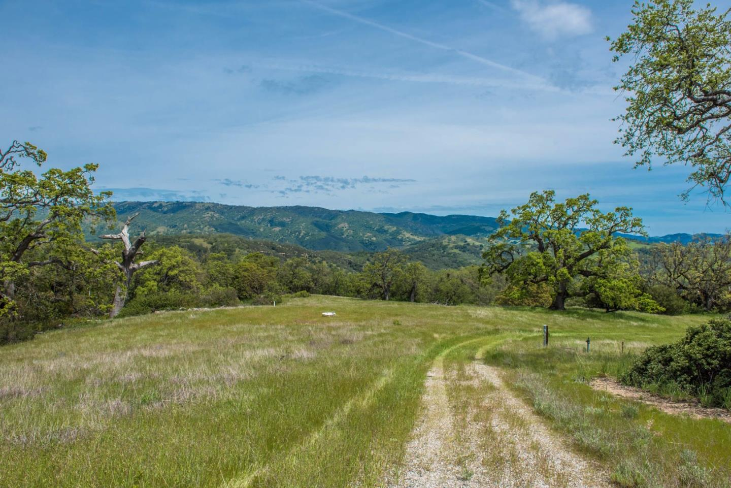 Additional photo for property listing at 23850 Lambert Flat Road  Carmel Valley, Californie 93924 États-Unis