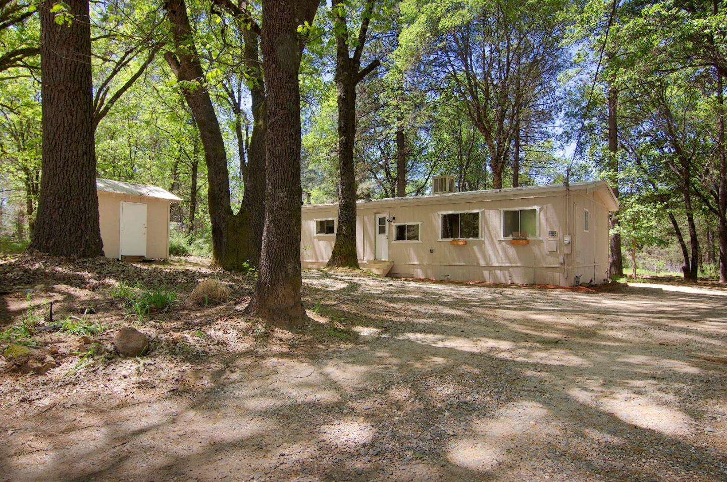 10400 Smith Road, GRASS VALLEY, CA 95949