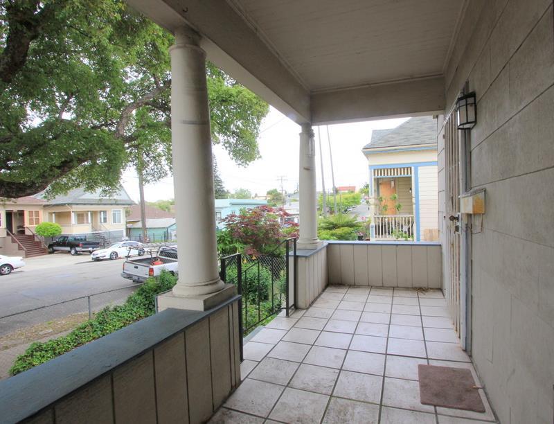 獨棟家庭住宅 為 出售 在 2336 E 20th Street Oakland, 加利福尼亞州 94601 美國