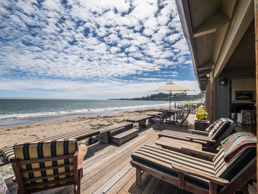 Casa Unifamiliar por un Venta en 24 Potbelly Beach Road Aptos, California 95003 Estados Unidos
