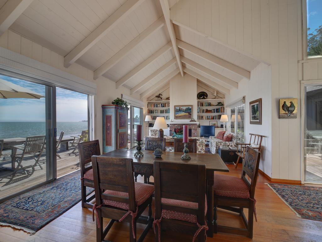 Additional photo for property listing at 24 Potbelly Beach Road  Aptos, Калифорния 95003 Соединенные Штаты