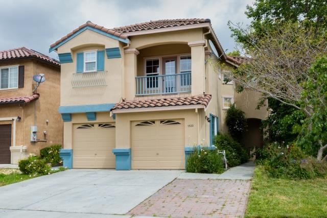 Maison unifamiliale pour l Vente à 1520 Oyster Bay Court Salinas, Californie 93906 États-Unis