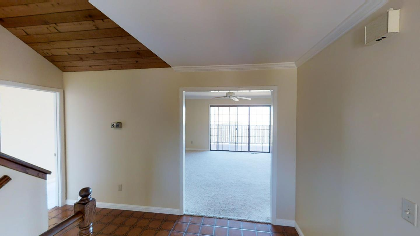 Additional photo for property listing at 24845 Corte Poco  Salinas, カリフォルニア 93908 アメリカ合衆国
