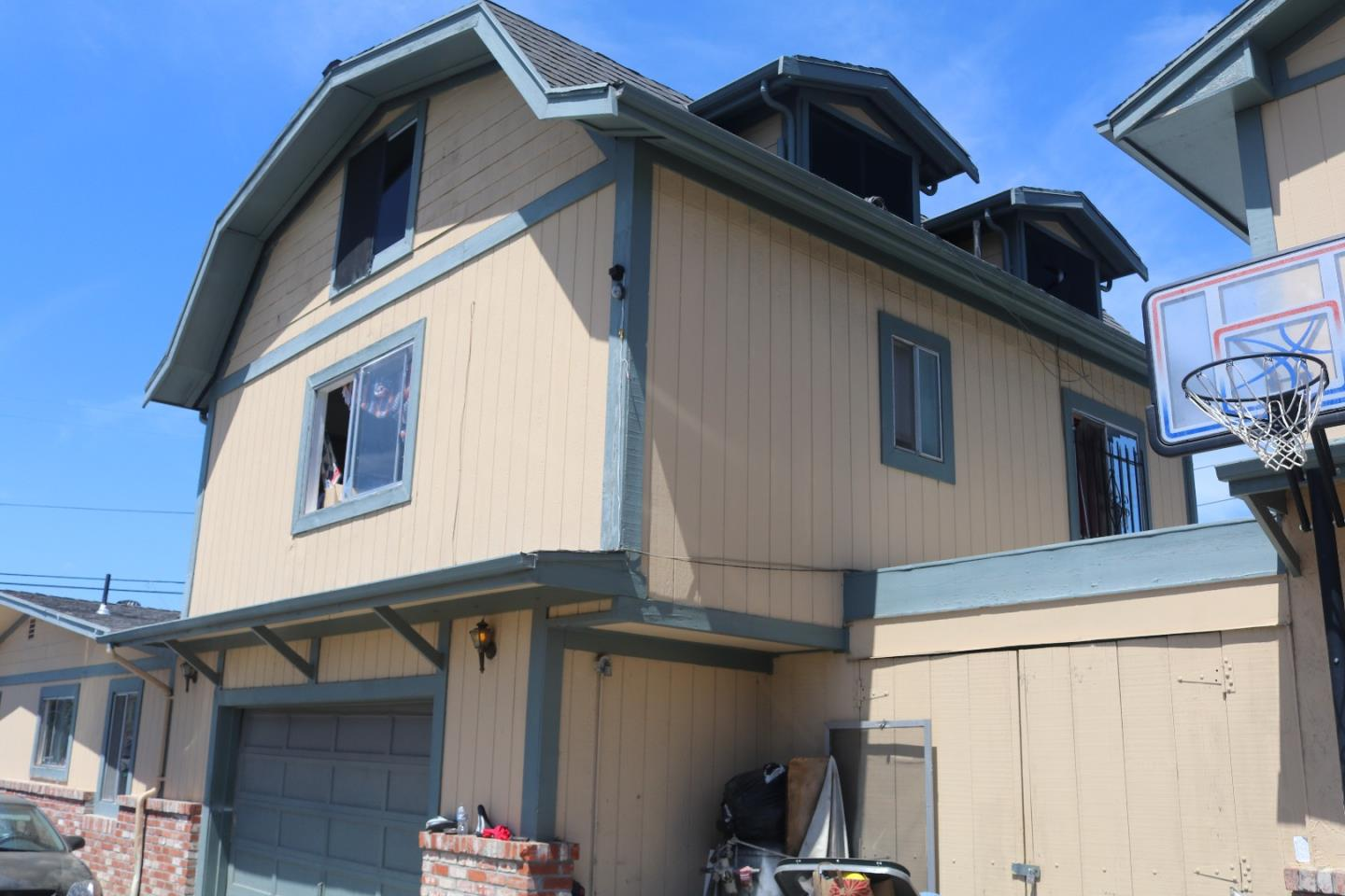 Additional photo for property listing at 21588 Banyan Street 21588 Banyan Street Hayward, Kalifornien 94541 Vereinigte Staaten