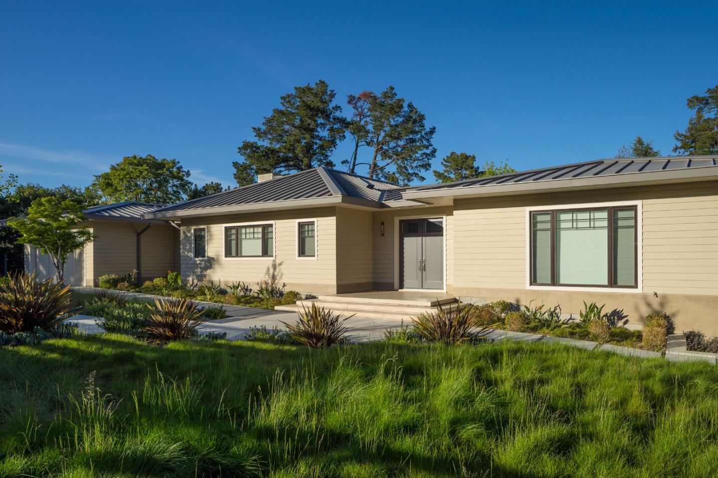Additional photo for property listing at 35 Willard Lane  Hillsborough, California 94010 United States