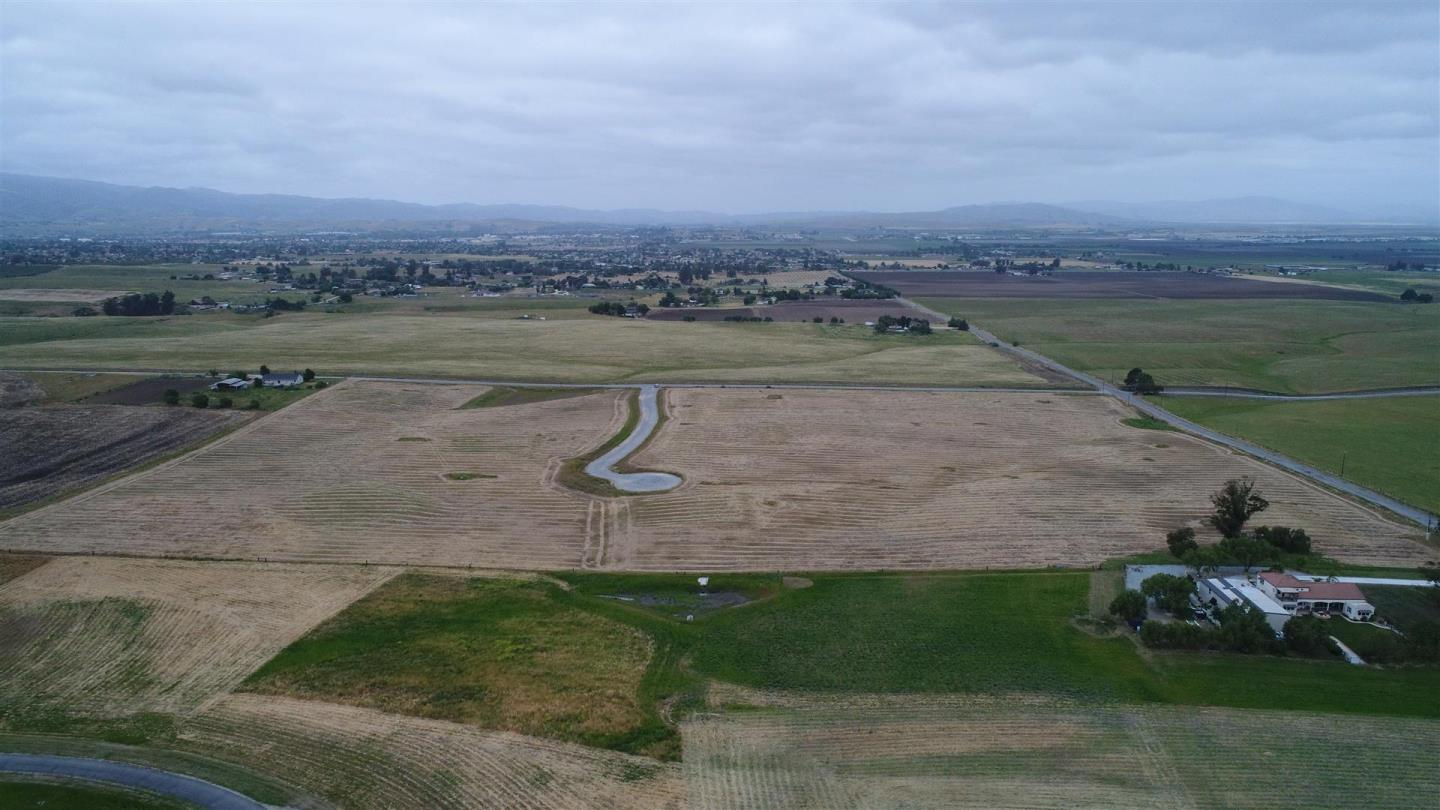 Additional photo for property listing at Santa Ana Valley Road  Hollister, California 95023 United States