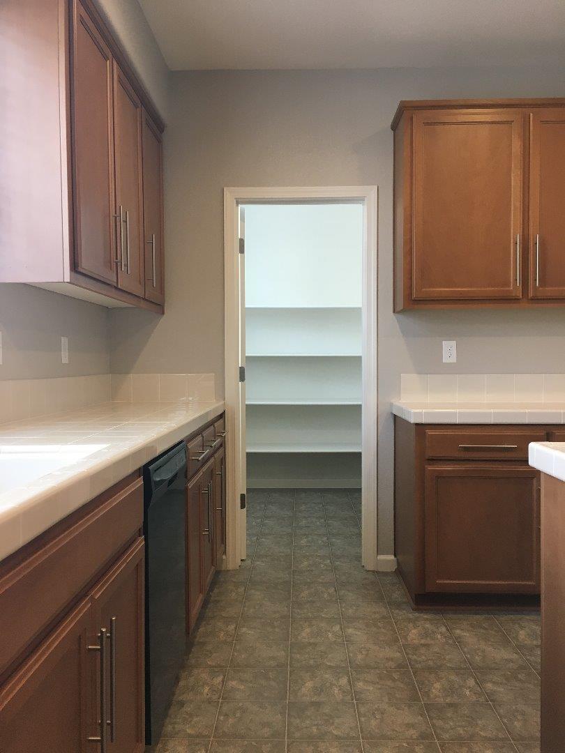 Additional photo for property listing at 317 Victoria Place  Hayward, 加利福尼亞州 94544 美國