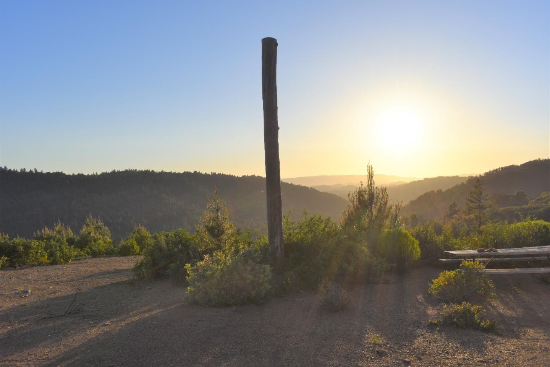 Additional photo for property listing at 29690 Loma Prieta  Los Gatos, California 95033 United States