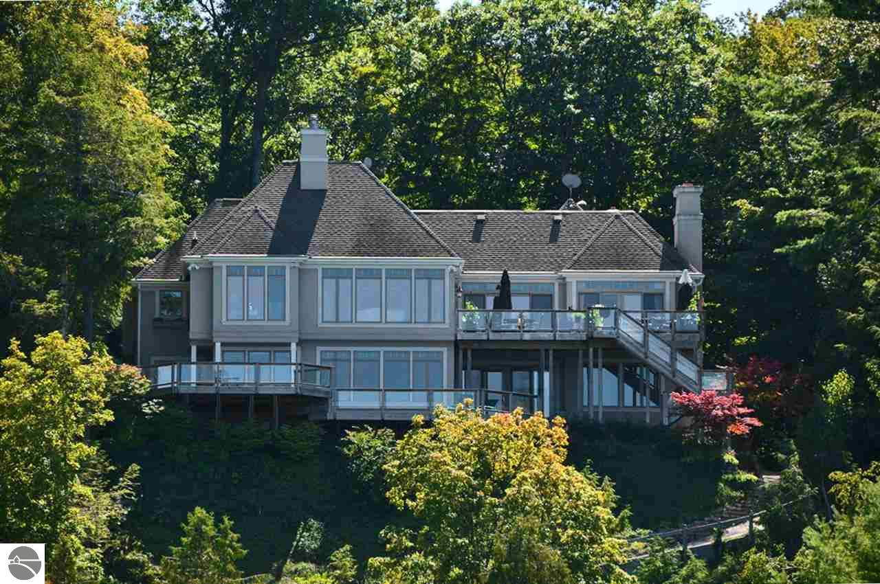 Property for sale at 629 Shorewood Drive, Frankfort,  MI 49635