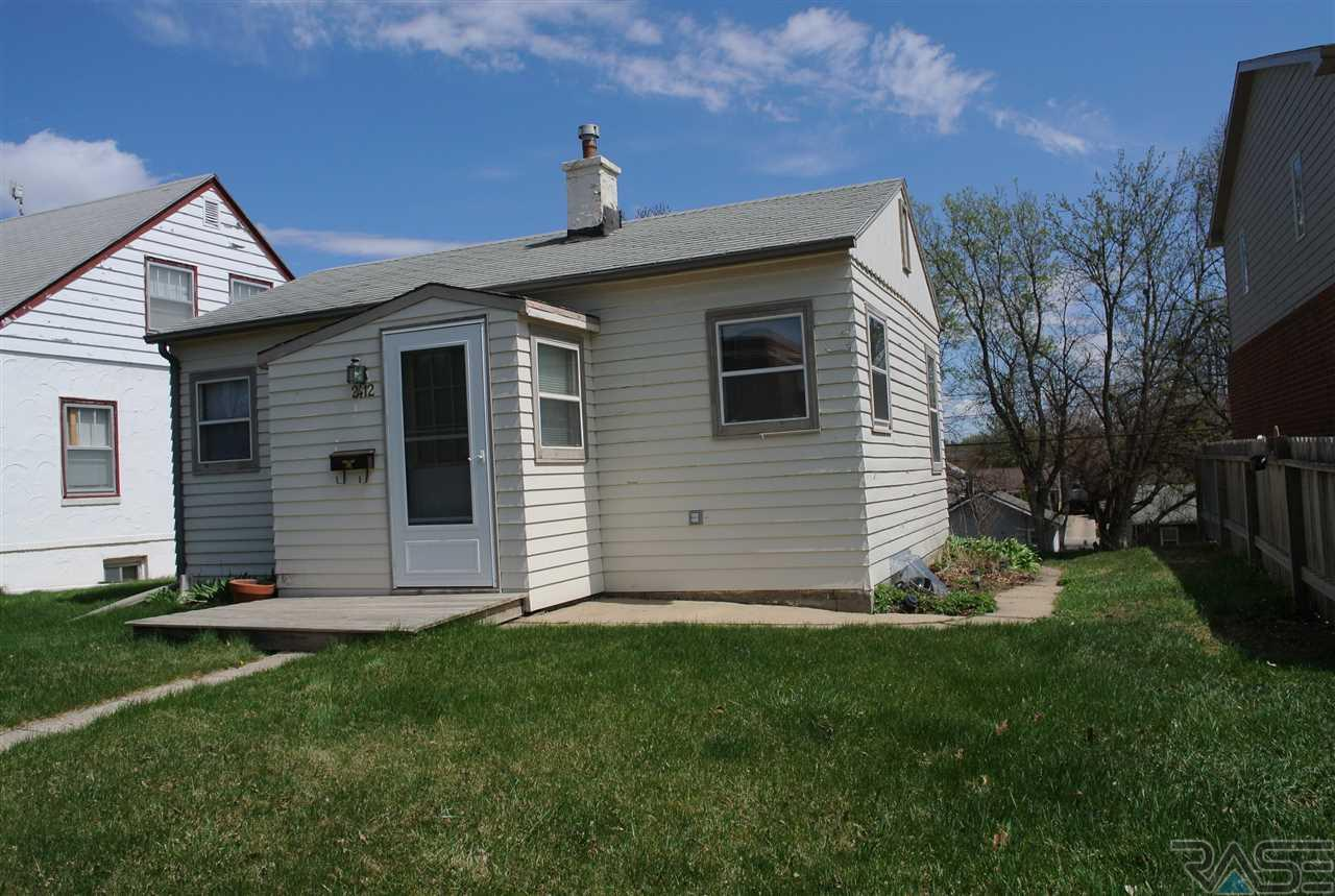 2412 S Summit Ave, SIOUX FALLS