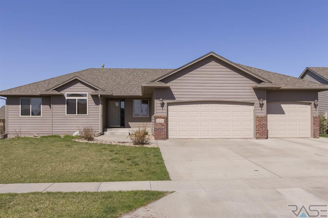 2221 S Purdue Ave, SIOUX FALLS