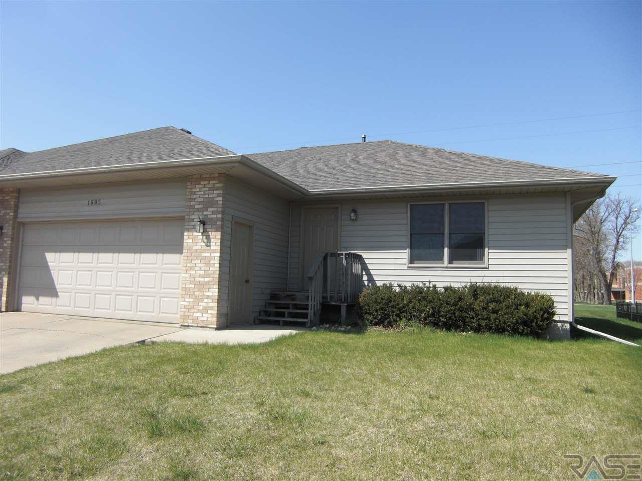 1605 S Campbell Trl, SIOUX FALLS