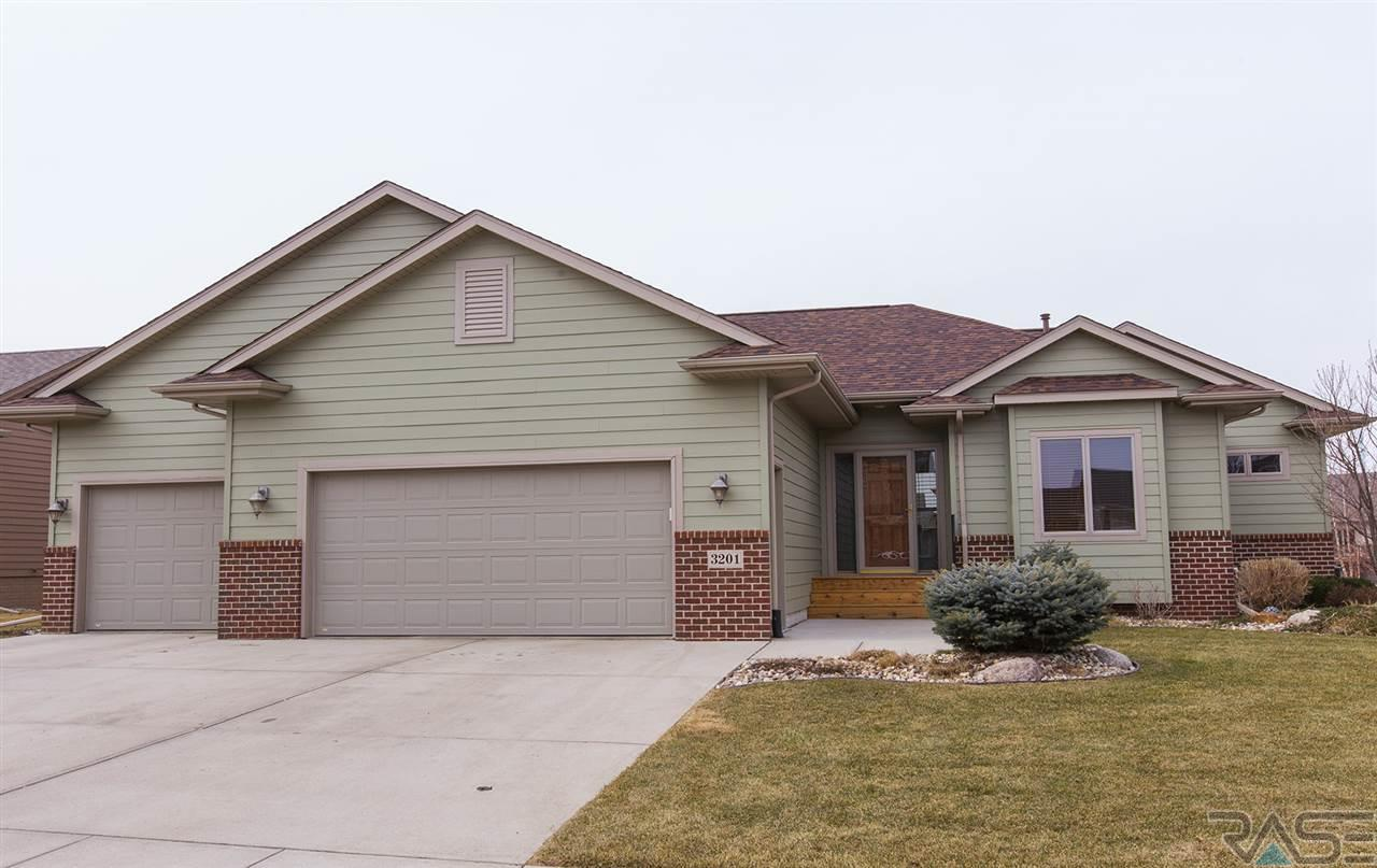 3201 S Newcastle Ct, SIOUX FALLS