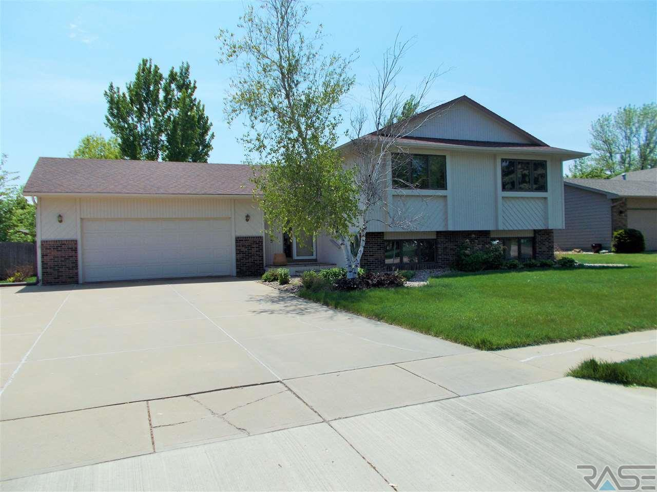 6505 W 32nd St, SIOUX FALLS