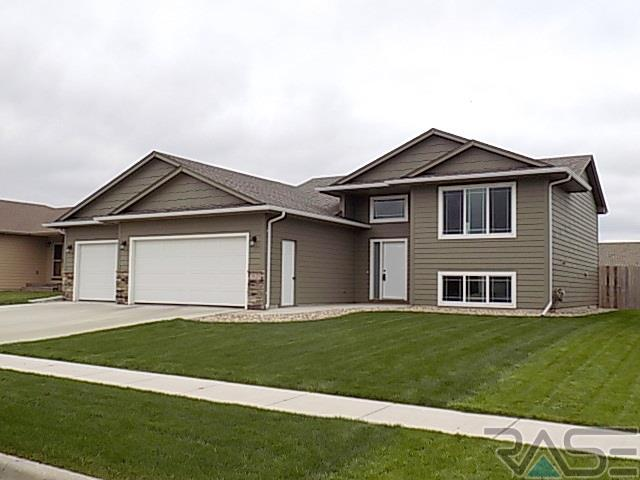 3121 S Triple Play Ave, SIOUX FALLS