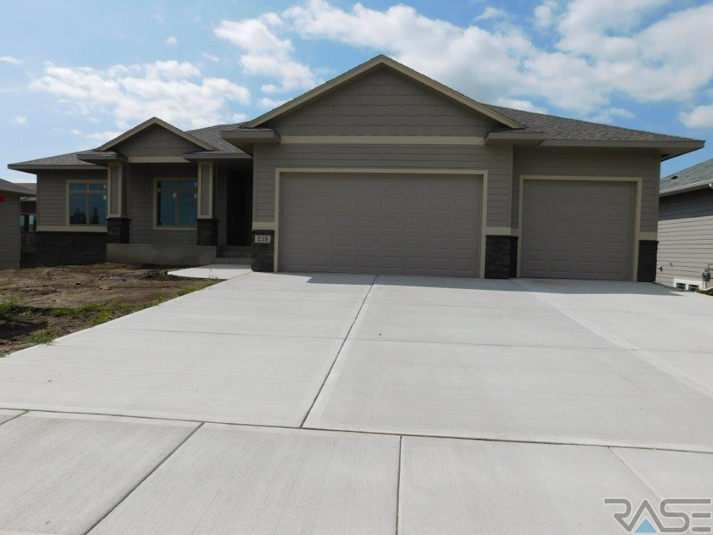 215 S Red Spruce Ave, SIOUX FALLS