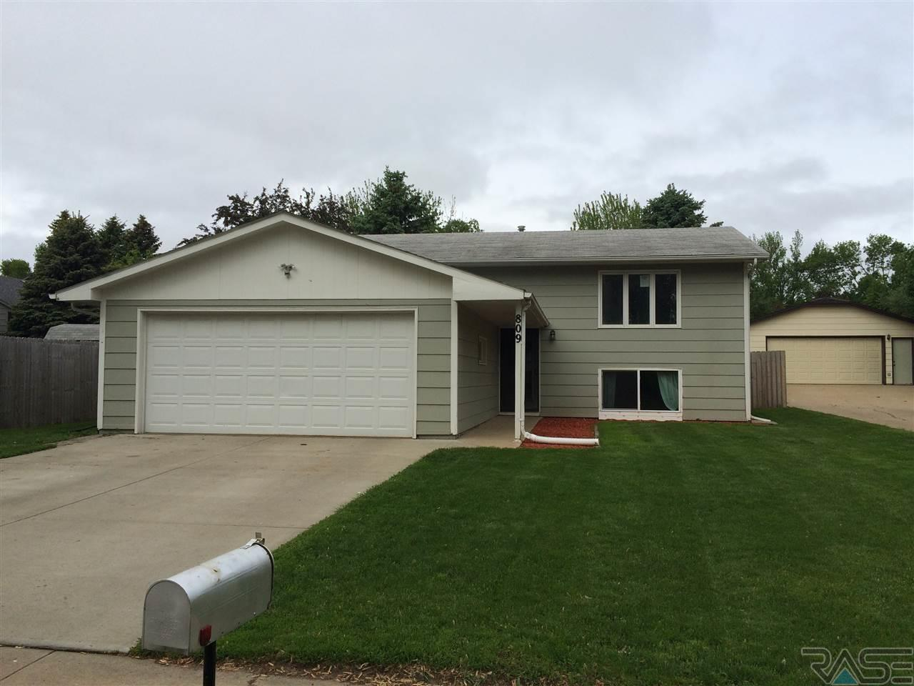809 S Kennedy Ave, SIOUX FALLS