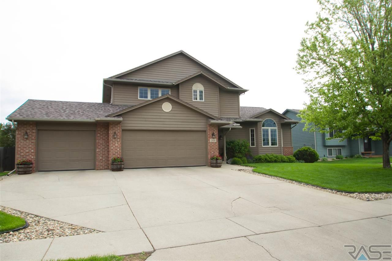 2416 S Rough Rider Dr, SIOUX FALLS