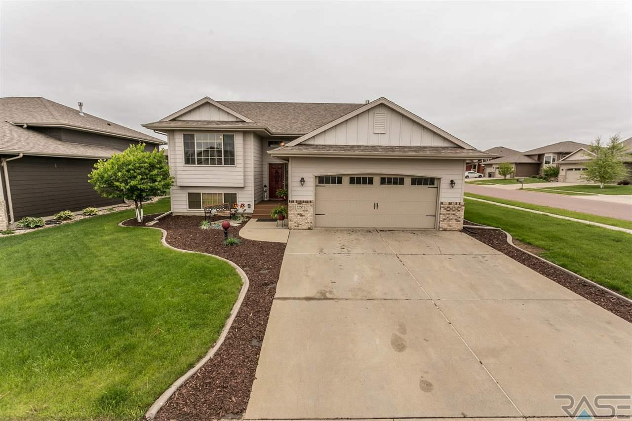 2201 S Ollerich Ave, SIOUX FALLS
