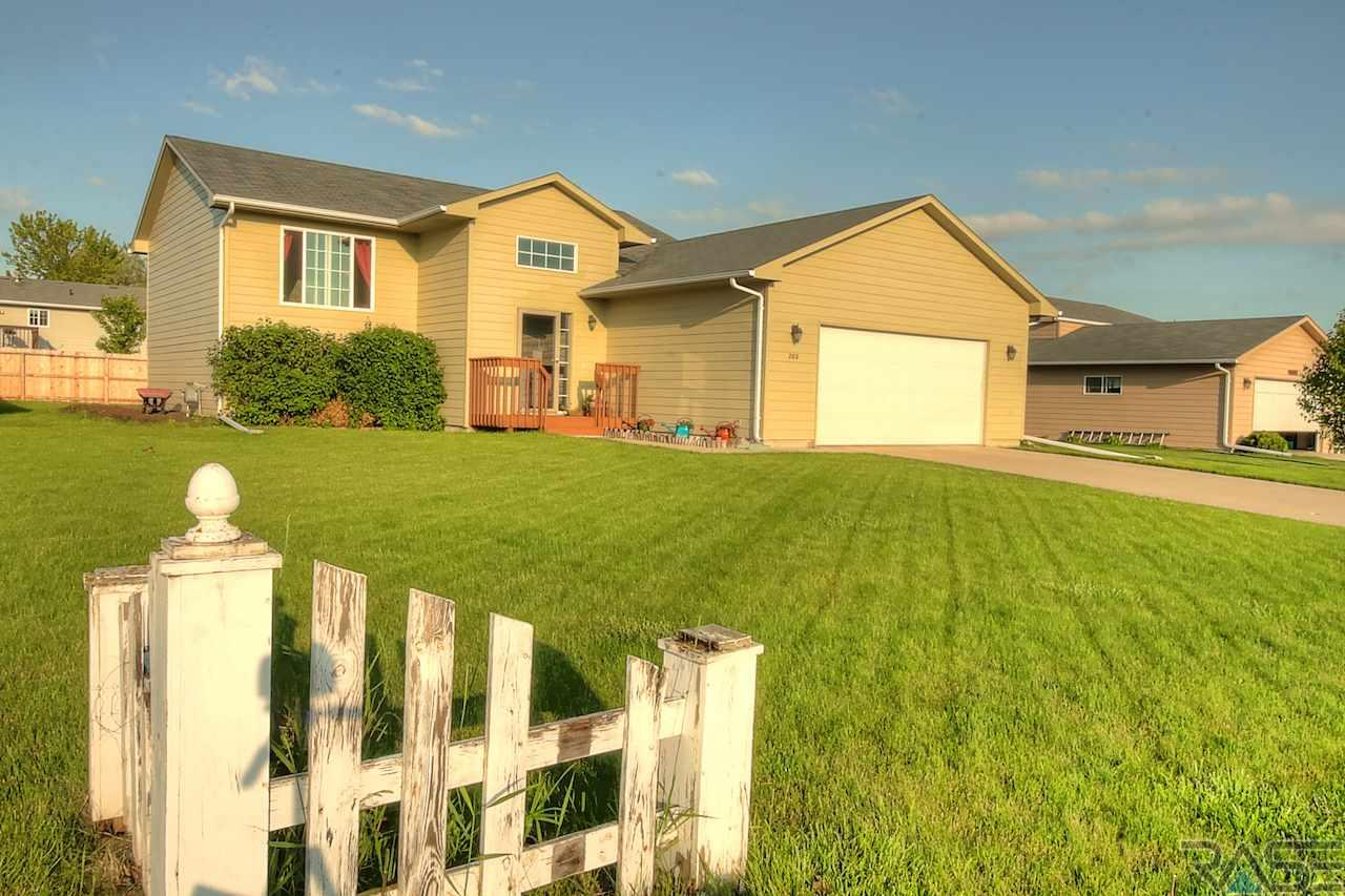 208 N Lily St, WORTHING, 57077, SD