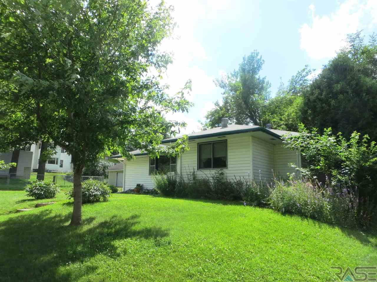 1005 S 6th Ave, SIOUX FALLS