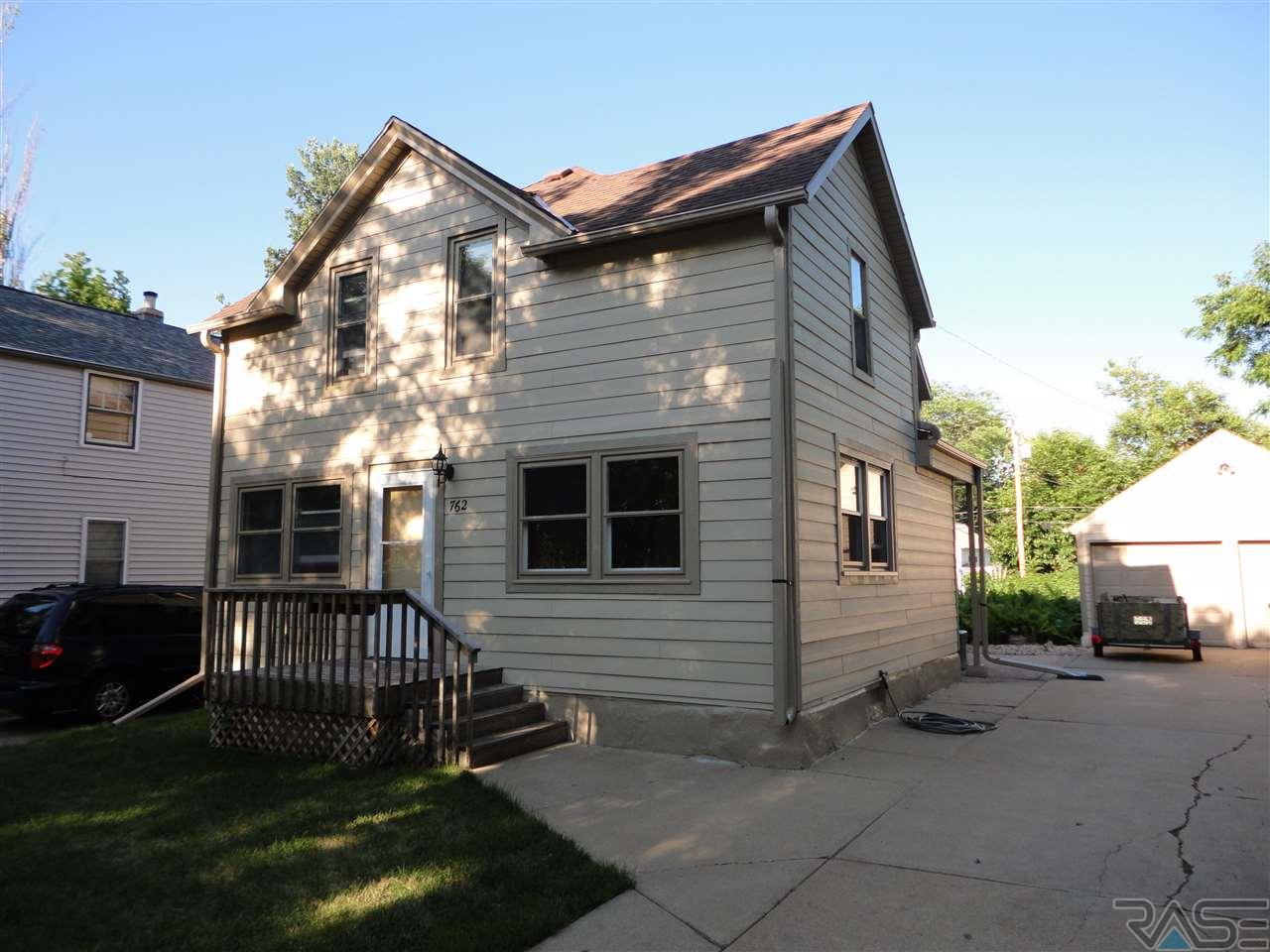 762 S 3rd Ave, SIOUX FALLS