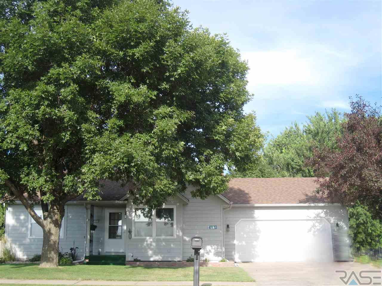 3920 S Sertoma Ave, SIOUX FALLS