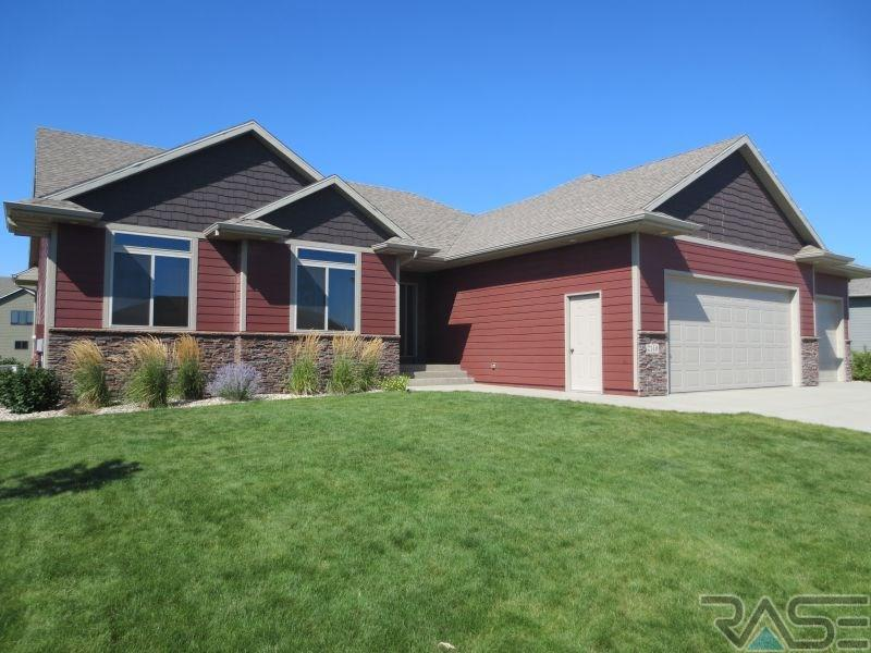 2149 S Silverpine Ct, SIOUX FALLS
