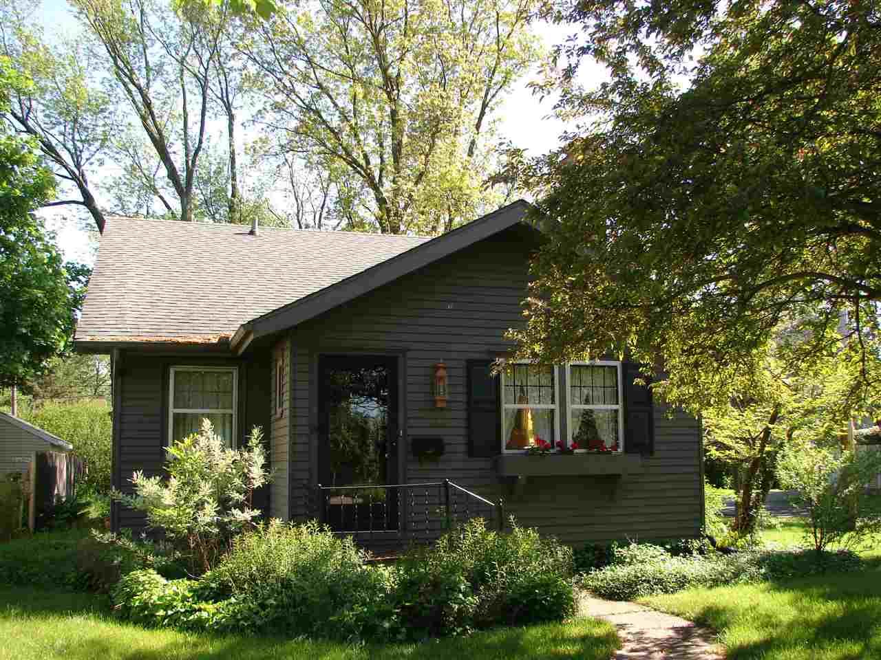 1221 W Lexington Elkhart, IN 46514