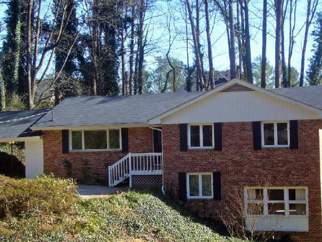 Photo of home for sale at 1294 Nerine Cir, Dunwoody GA
