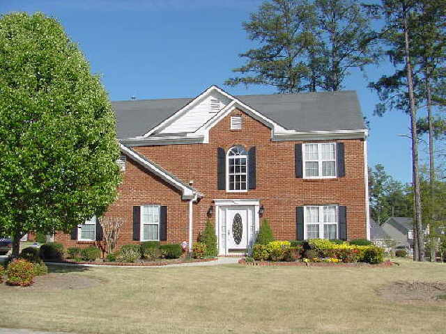Photo of home for sale at 1335 Grace Hadaway Ln, Lawrenceville GA