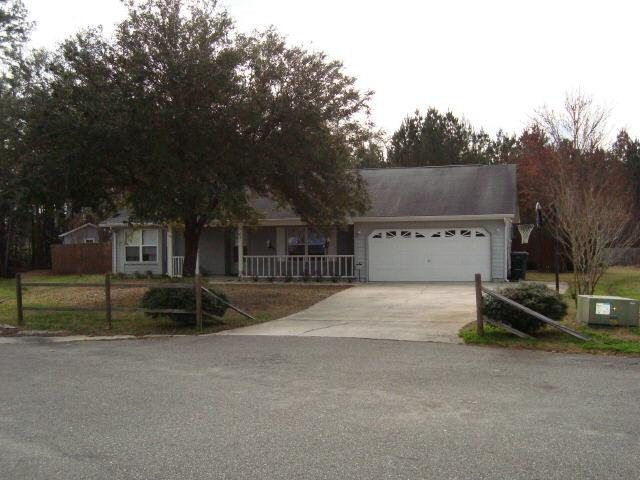Photo of home for sale at 304 Camelot Ct, Kingsland GA
