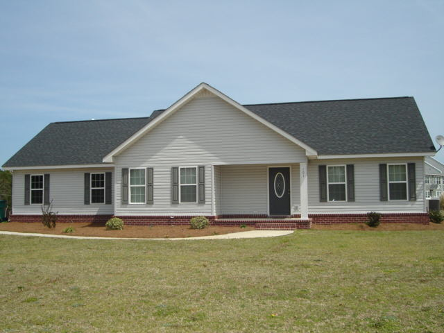 Photo of home for sale at 101 Thomkin Dr, Statesboro GA