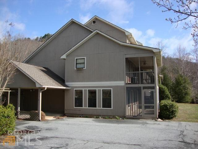 Photo of home for sale at 80 Stirling Ln, Clayton GA