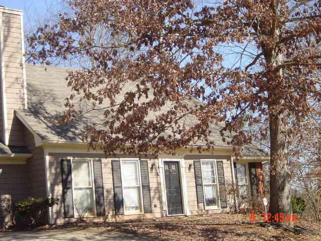 Photo of home for sale at 1158 Raleigh Way, Lawrenceville GA